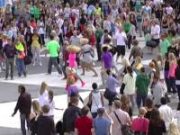 Flash Mob BouncE
