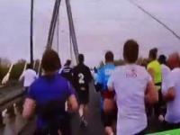 Reporter TVP, który miał biec w maratonie, przyłapany na gorącym uczynku - Orlen Warsaw Marathon