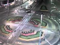 Kobieta wpada samochodem do przejścia podziemnego przy Rotundzie w Warszawie
