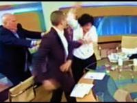 Polityk atakuje kobietę na wizji!