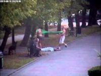 Patologia ze Szczecinka skopał faceta i jego kobietę!