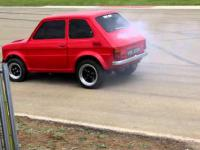 Fiat 126 vs Corvette Stringray
