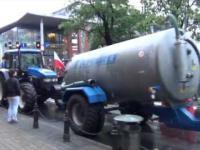 Strajk i brutalny szturm rolników na urzędników