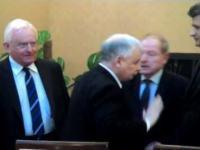 Przywitanie Palikota z Kaczyńskim