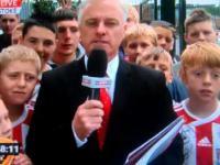 Reporter został trafiony piłką w głowę