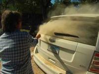 Sztuka malowania na brudnym samochodzie