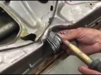 Prostowanie drzwi samochodu