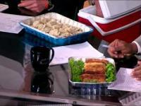Komentatorzy NBA jedzą polskie dania i dostają polskie piwo