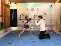 Mała dziewczynka na ringu