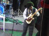 Afroman uderzył fankę podczas występu!