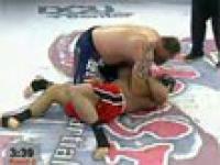 MMA: Mariusz Pudzianowski przegrywa z amerykaninem Timem Sylvią