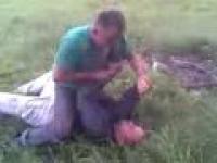 Wiejskie MMA czyli atak zabójczej żmii - Bum fight