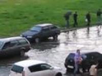 Tak się bawi Rosja podczas powodzi