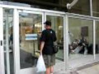 Zamknięte centrum podczas protestu