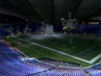 Śnieg zarwał dach stadionu