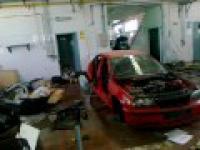 Pozostałości po salonie BMW w Egipcie