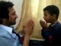 Arabska zabawa ojca z synem