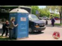 Ukryta kamera - Znikajaca toaleta