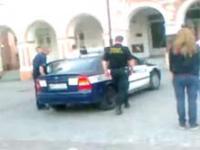 Ucieczka z radiowozu i brawurowa akcja policji