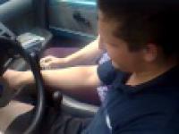 Uczy się jeździć