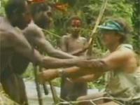 Dzikie plemię spotyka białego człowieka