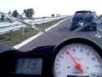 Opel Astra vs Yamaha R6 - spotkanie na autostradzie