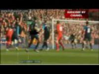 Wojtek Szczęsny broni rzut karny z Liverpoolem