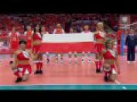 Polacy śpiewają Mazurka Dąbrowskiego w Spodku