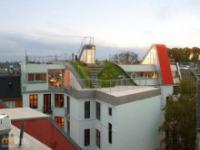 Plac zabaw na dachu budynku