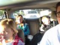 Nie wiesz czym zająć dzieci w drodze do szkoły?
