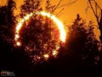 Piękne zaćmienie Słońca