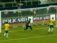 Gol podcinką dos Santosa