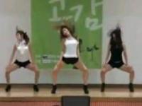 Oto jak studenci polibudy z Korei reagują na dziewczyny