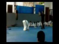 Pokaz teakwondo nie zawsze musio się udać