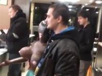 Zabrał dmuchaną lalkę na kolacje do McDonald's