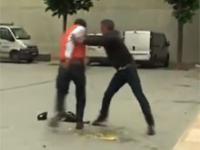 Zabawna uliczna bójka