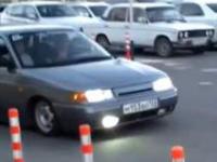 Rosyjski samochód vs próg zwalniający