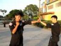 Policyjna technika błyskawicznego uderzenia