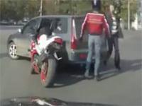 Brutalna bójka na środku skrzyżowania