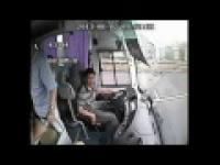 Wypadek autobusu w Chinach.