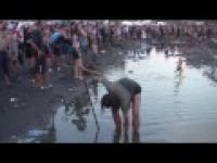 Picie błota na Woodstock 2013