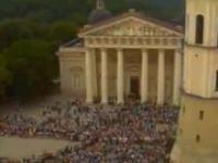 Masowy protest antykomunistyczny na Świecie.