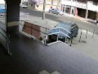 Szaleńczy pościg ochroniarza banku za złodziejem