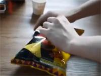 Jak otwierać paczkę chipsów