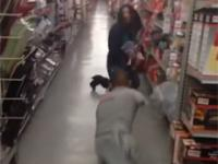 Atak zombie w sklepie