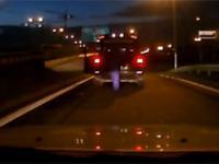 Pobicie przez kierowcę z BMW
