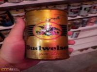 Wielka kolekcja puszek po piwie