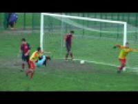 Piłkarz strzela gola i rozbija głową wiatę