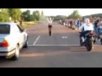 Motor vs samochód