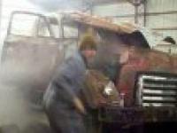 Niebezpieczne odpalenie silnika diesla po 30 latach